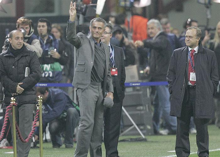Mourinho gesto triplete San Siro